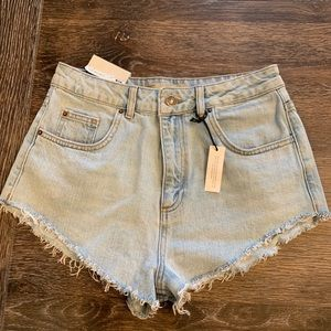 NWT TopShop Kiri high waisted jean shorts 6 US